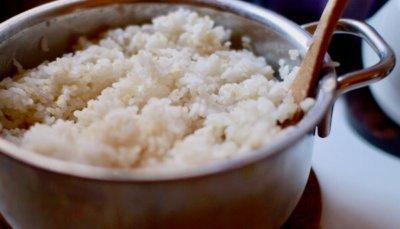 ジオ・プロダクトの鍋でご飯を炊いた画像