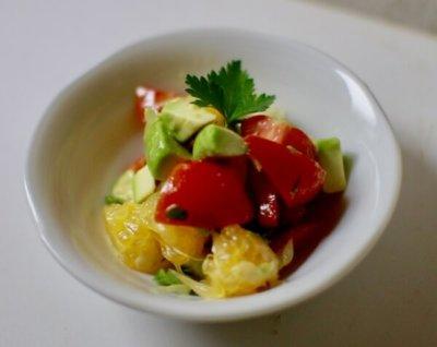 グレープフルーツとトマトのサラダ