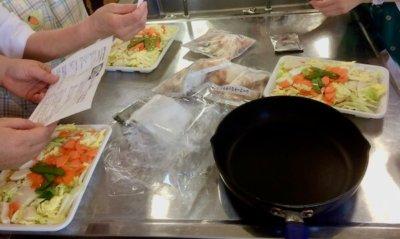 試食会の調理の様子