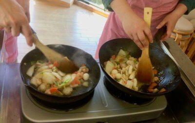 試食会の調理の様子5