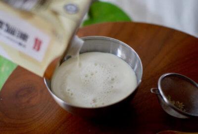 玄米乳酸菌液:豆乳を1:10の割合