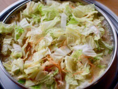 とり野菜まつや桂店の鍋2