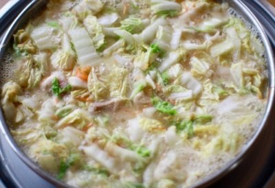 とり野菜まつや桂店の鍋3