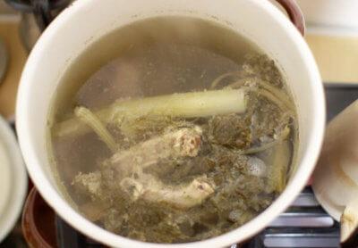 骨出汁スープの鍋