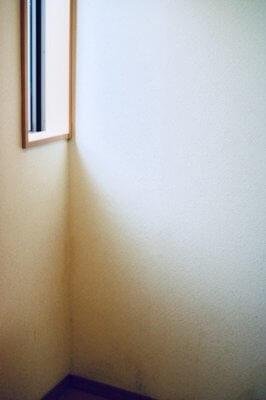 アパートの壁
