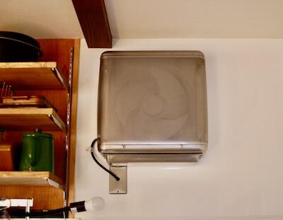 キッチンに取り付けた有圧換気扇